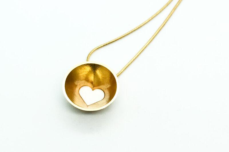 """Kullatud hõbedast südamekujuline ripats """"Hertz"""" 20mm, 450mm kuldse ketiga. Suurus S."""